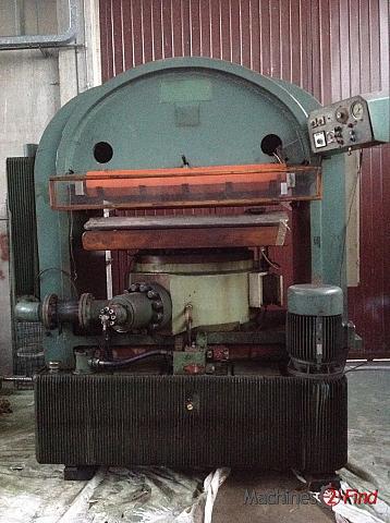 Presses, Ironing & Embossing - Kostroj - 1000ton